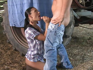 Super-sexy farm girl gets rigid anal pummel outdoors
